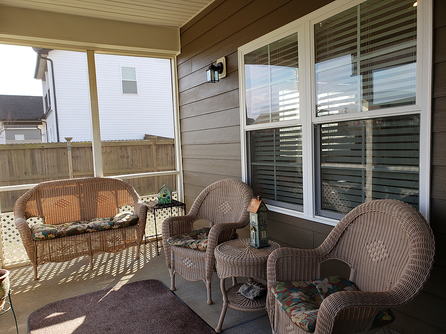 Furnished Open Porch with Screen